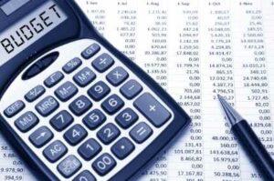 Factores como la combinación de idiomas o la urgencia que tengas afectan al presupuesto de traducción.
