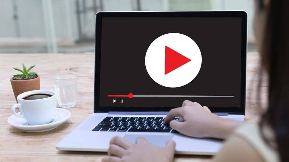 Cómo subtitular un video automáticamente online
